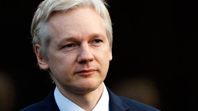 Assange-903