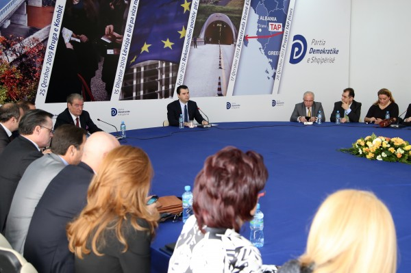 PD-Basha-mbledhje-grupi