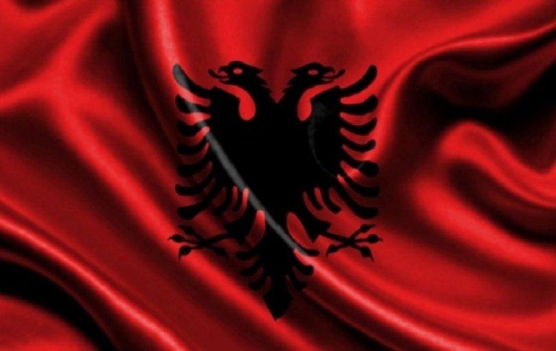 Image result for flamuri shqiptar